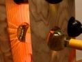 Weinregal 11 Flaschen mit Baumkante Detail 2.jpg